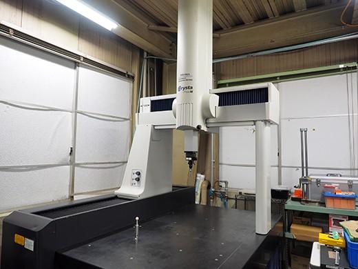 工場内の空調管理・専門スタッフの検査万全な品質保証体制